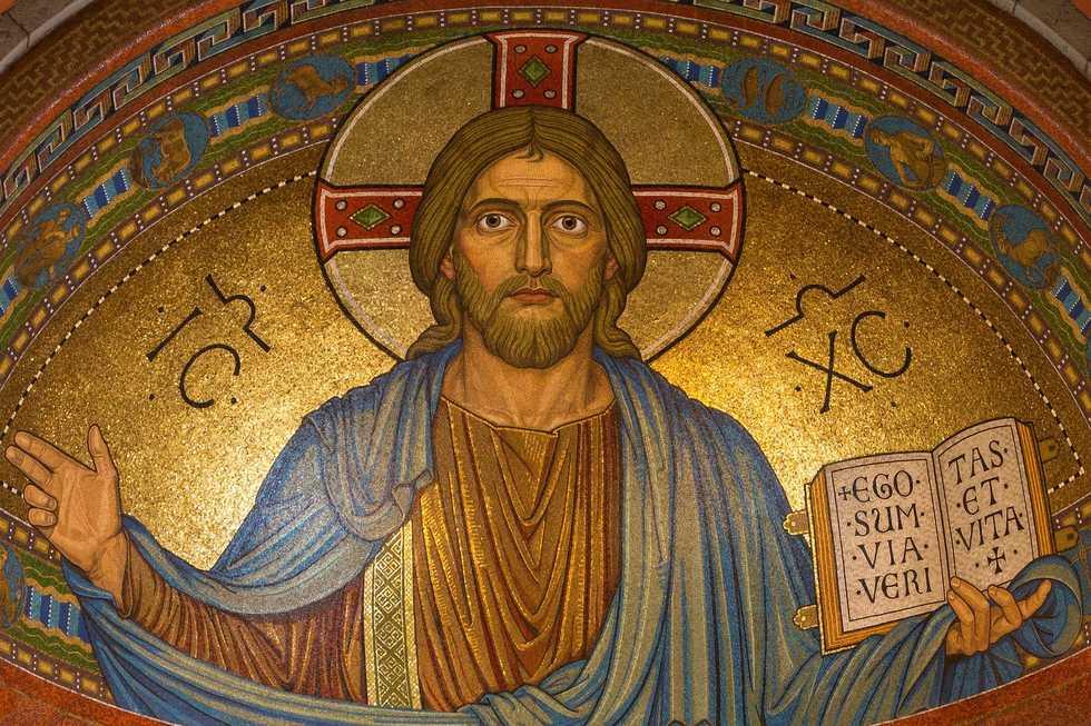Christ 898330 980